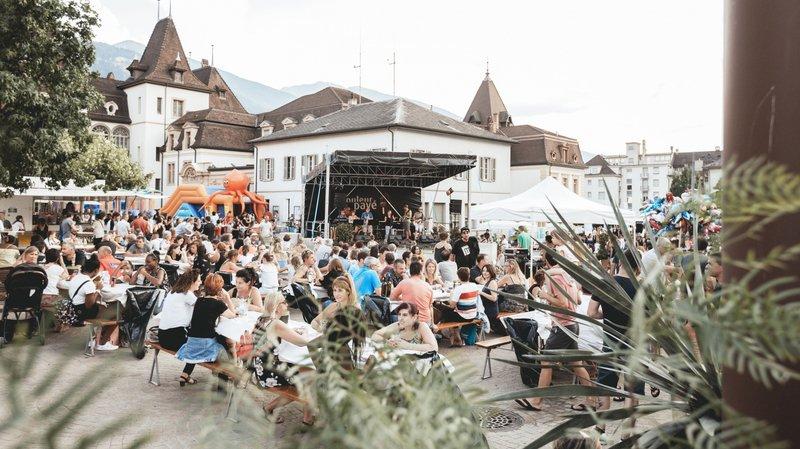 Ce festival réunit toutes les générations durant les vendredis de l'été.