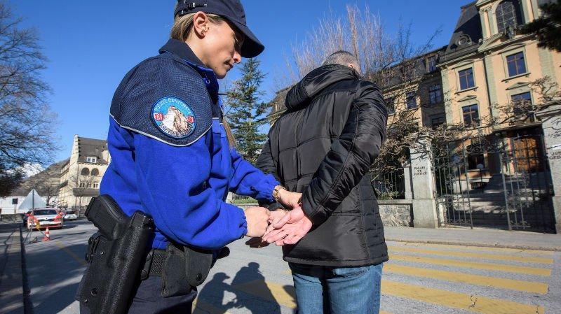 Trois Géorgiens ont été arrêtés par la police valaisanne.