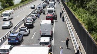 Trafic routier: un bouchon de 11 km s'est formé au tunnel du Gothard