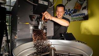 Saint-Pierre-de-Clages: au milieu des vignes, il torréfie du café grand cru équitable et écoresponsable