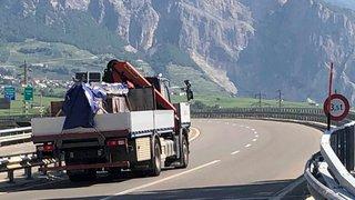 Viaduc de Riddes: les camions circulent toujours malgré l'interdiction