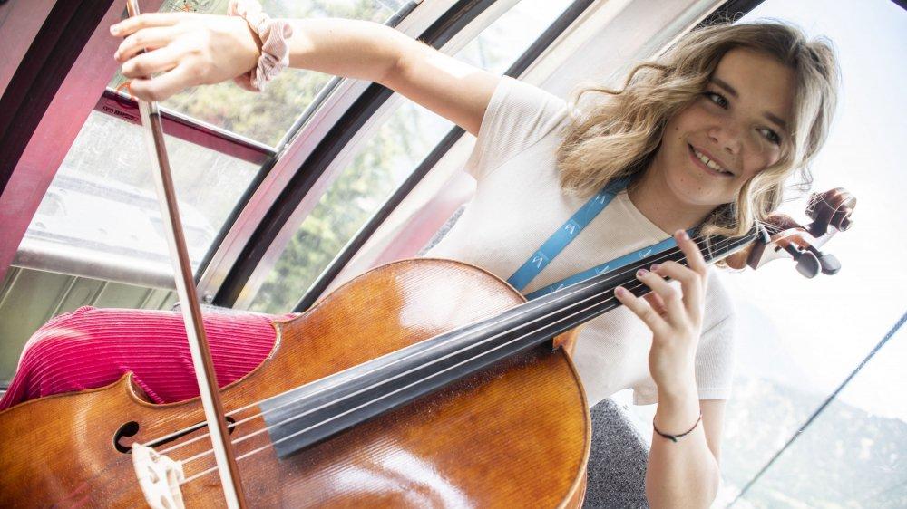 Les jeunes instrumentistes de l'Academy découvraient pour la première fois Verbier depuis les airs.