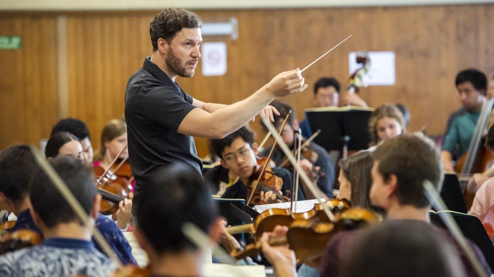 Sous la direction de Stanislav Kochanovsky, le Verbier Festival Junior Orchestra s'est attaqué à l'opéra de Mozart «La flûte enchantée».