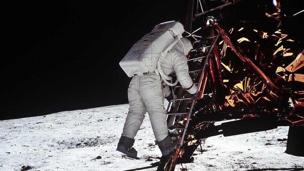 """""""Un petit pas pour l'homme, un bond de géant pour l'humanité""""."""