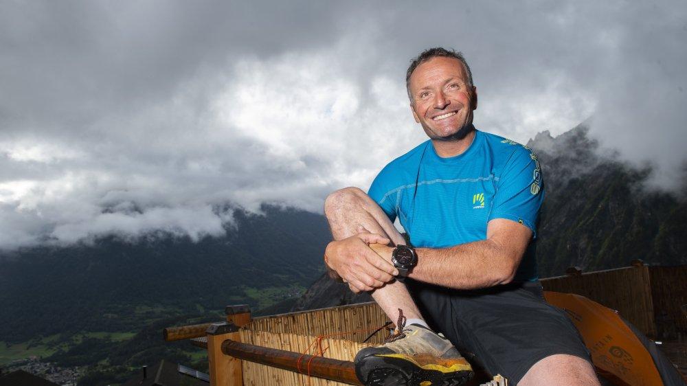 Il adore le Valais et les Alpes, mais depuis plus de vingt ans, Fred Roux s'évade régulièrement dans les montagnes himalayennes en compagnie d'alpinistes renommés.