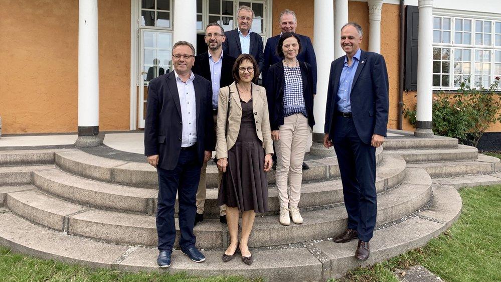 Les cinq conseillers d'Etat ont été reçus à l'ambassade de Suisse à Copenhague.
