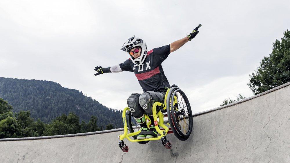 La Neuchâteloise Lorraine Truong, établie à Vollèges, a organisé le tout premier WheelChair MotoCross (WCMX) au Châble samedi.