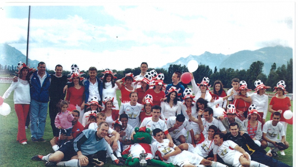 Le FC Massongex a pu fêter de nombreuses promotions durant les années 2000.