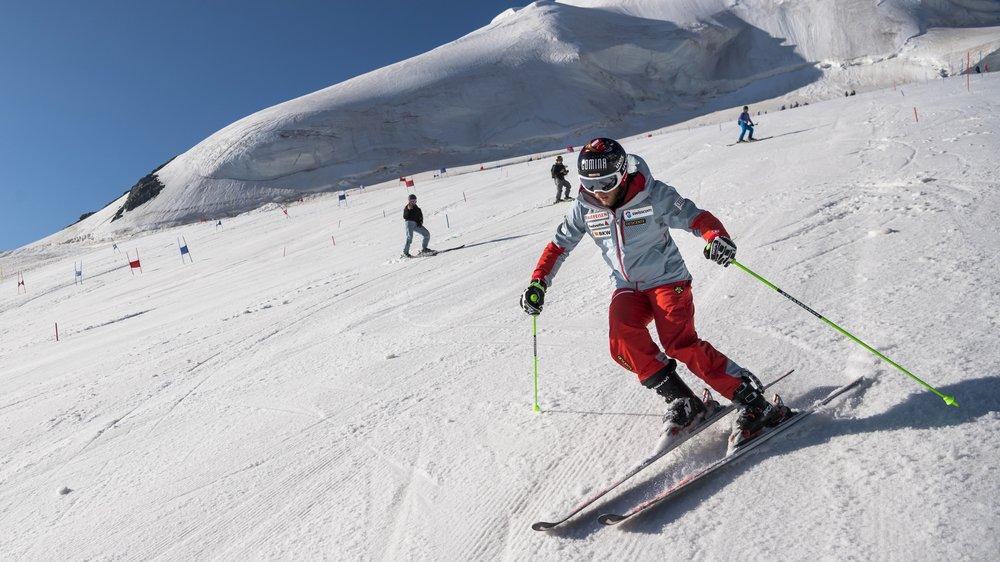 Justin Murisier est de retour sur les skis depuis lundi. Presque une année après sa troisième blessure au genou droit.