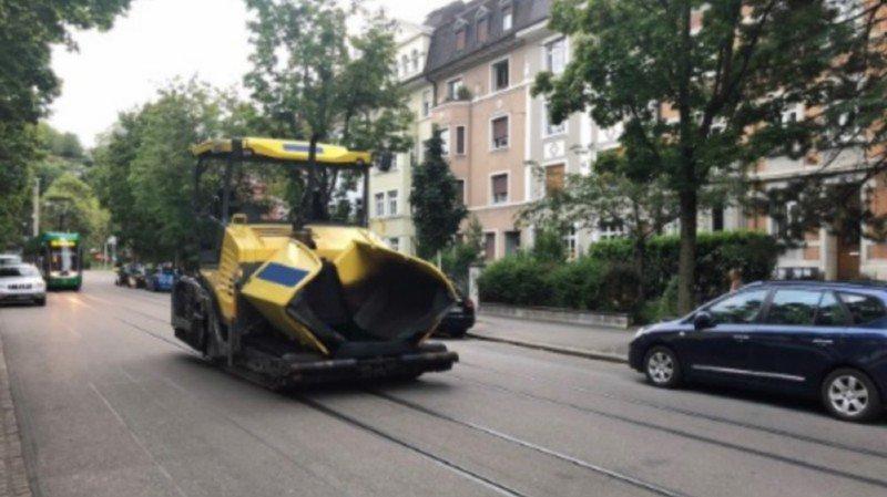Un homme de 27 ans a volé une machine à goudronner, à Bâle. Il a été intercepté par la police.