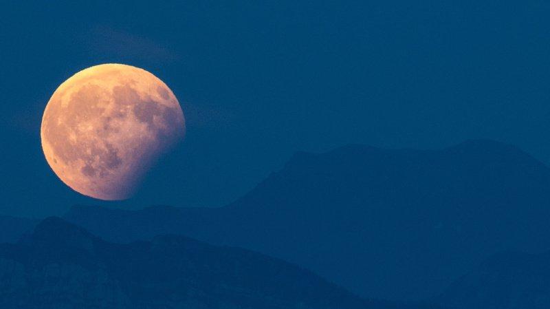 Astronomie: une éclipse partielle peut être observée à l'œil nu ce mardi depuis presque toute la planète