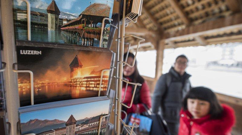 Tourisme: les ventes du 1er éditeur de cartes postales en Suisse ont diminué de 15% en cinq ans