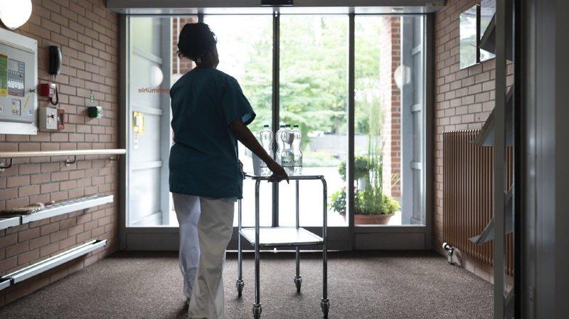 Le contre-projet prévoit une offensive de formation et un renforcement des compétences du personnel soignant. (illustration)