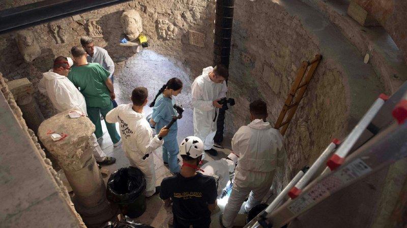 Les ossements ont été extraits dans la matinée dans le sous-sol du Collège pontifical teutonique.