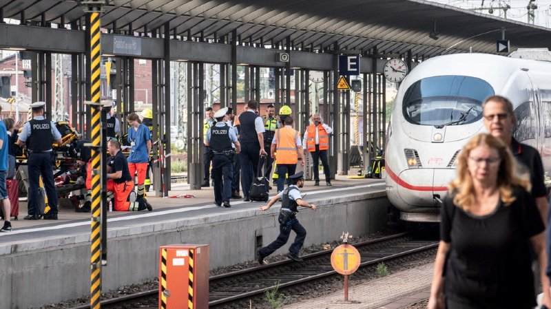 Allemagne : un enfant meurt après avoir été poussé sous un train