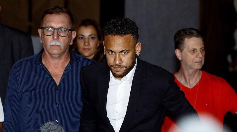 Affaire Neymar: la plainte pour viol contre le footballeur classée sans suite