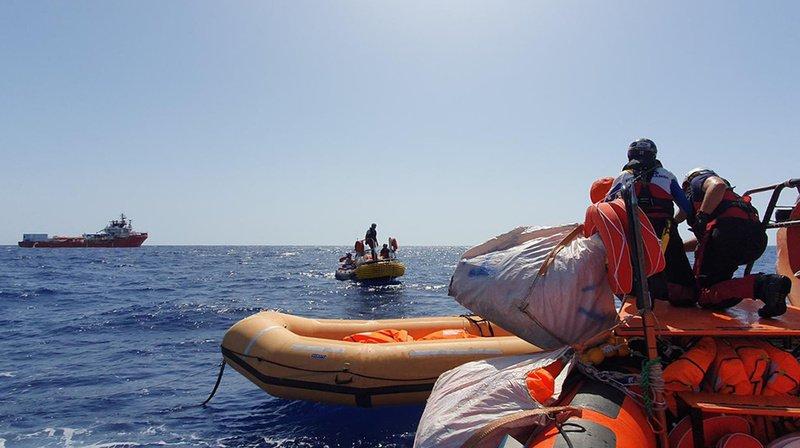 Au total, le navire humanitaire a recueilli 85 personnes à bord, dont cinq femmes et quatre enfants.