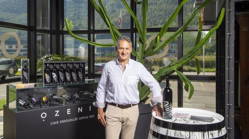 Raphaël Epiney a travaillé vingt-quatre ans dans le milieu bancaire avant de prendre la direction de la cave Ozenit.
