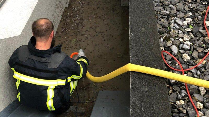 Caves inondées et routes coupées en Valais