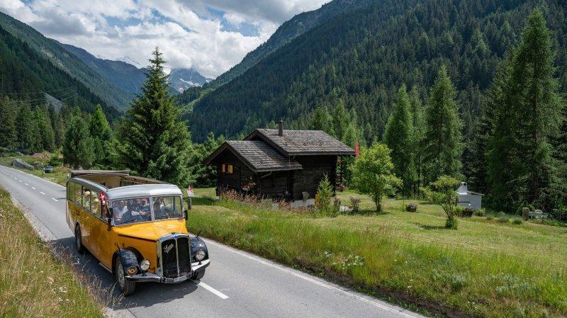 Une des nouveautés de la quatrième édition du Week-end du patrimoine d'Anniviers: un tour panoramique dans la vallée à bord d'un car postal Saurer de 1941.