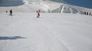 Justin Murisier de retour sur les skis à Saas-Fee