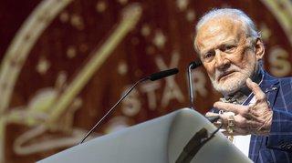 50 ans d'Apollo 11: discret, Buzz Aldrin réapparaît dans l'Alabama
