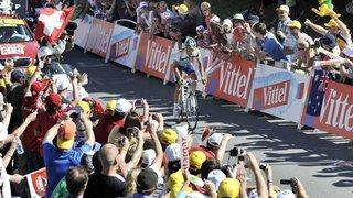 Alberto Contador se mêle au peloton du Tour des stations