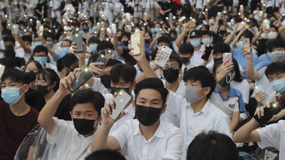 Les militants pro-démocratie contournent les interdictions de manifester — Hong Kong