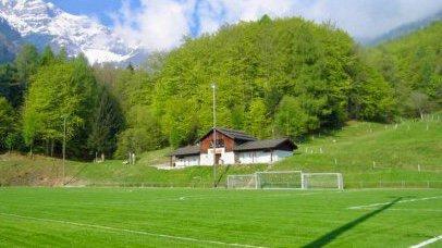 Le terrain de Chétillon accueille les matchs du FC Vérossaz depuis l'été 1985.