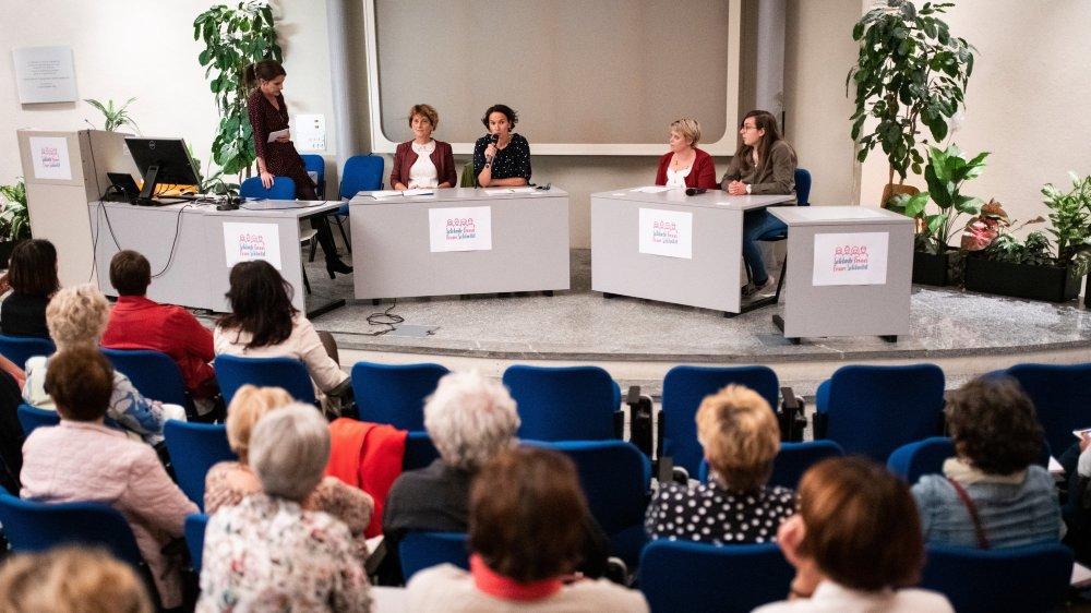 La soirée était organisée par Solidarité Femmes Valais et l'Office cantonal de l'égalité et de la famille. Elle avait pour but de mettre en avant les candidatures féminines aux élections fédérales.