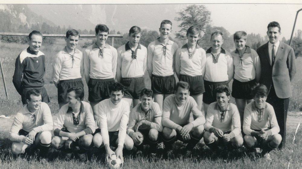 Pensionnaire de 4e ligue, le FC Vionnaz version 1964-1965, bat deux équipes de 2e ligue pour atteindre la demi-finale de la coupe valaisanne.
