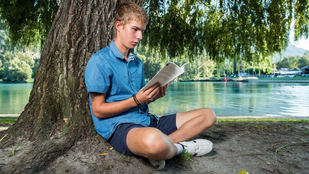 Dylan Rosset a beaucoup souffert de sa dyslexie à l'école. Aujourd'hui, il a regagné confiance en lui grâce à l'association Lire et écrire.