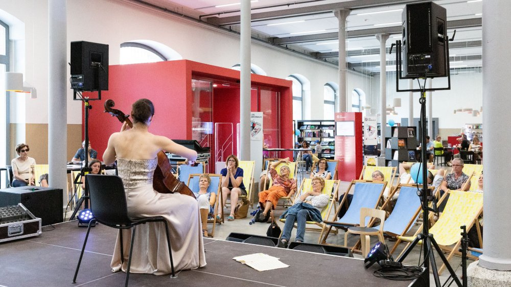 La rencontre aura lieu aux centre culturel Les Arsenaux, à Sion.