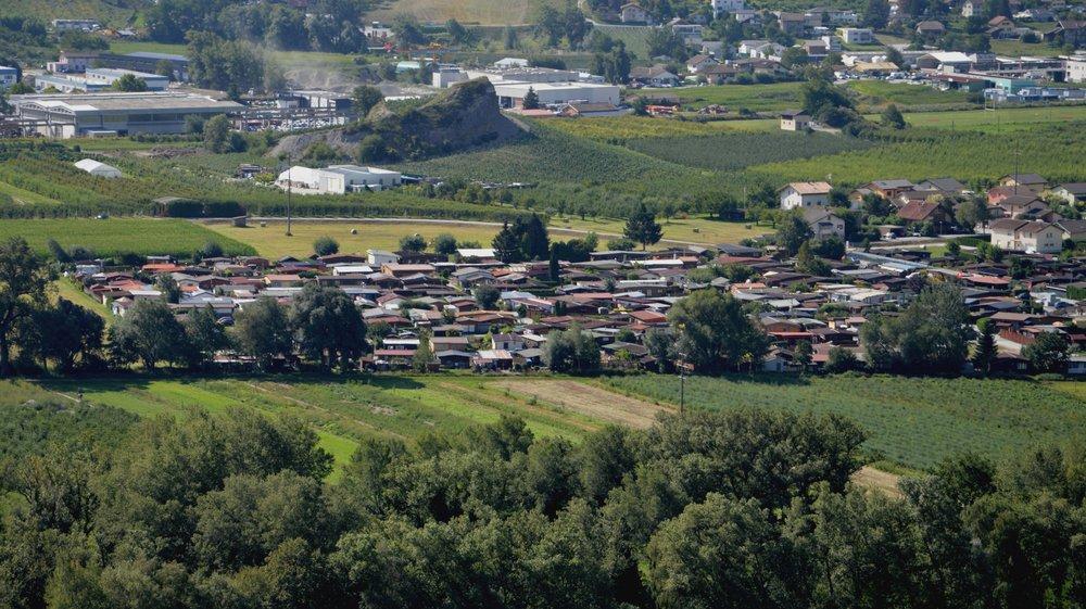 La Ville de Sierre a annoncé qu'elle allait maintenir le camping Robinson, et le régulariser. Un plan d'aménagement détaillé est prévu d'ici à 2021.