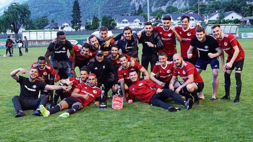 Après un 26e match sans défaite, les joueurs du FC Saint-Maurice ont enfin pu profiter de leur titre.