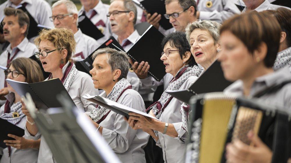 A l'invitation de la société des patoisants de Saint-Nicolas (photo), douze sociétés du Valais romand ont participé à la Fête cantonale du patois à Orsières.
