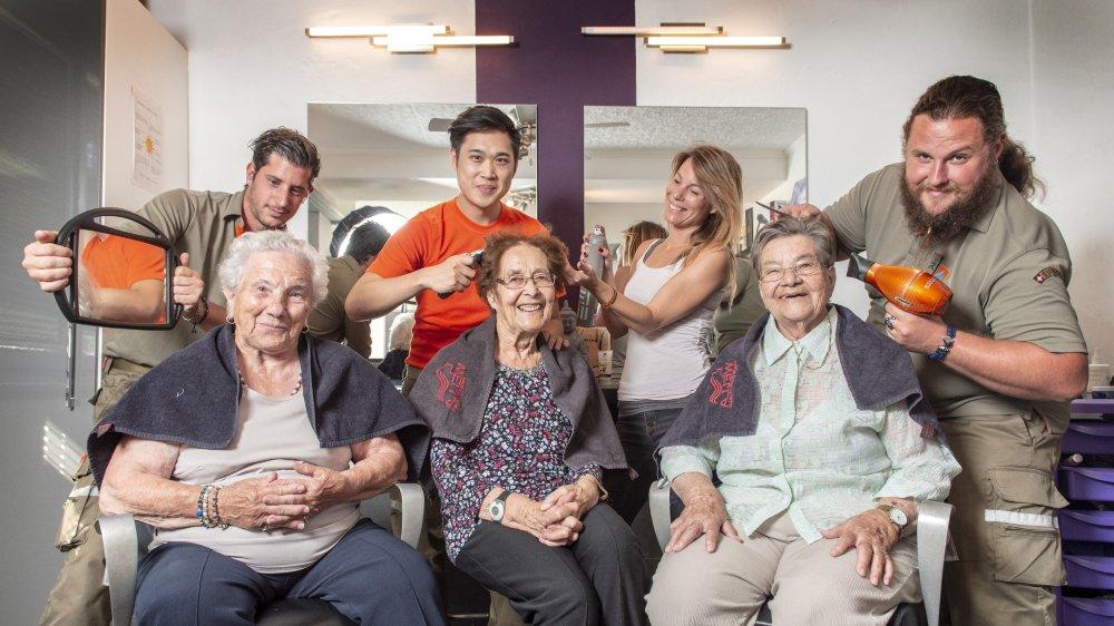 Chaque résident a savouré les sorties. A l'image de Maria Torello, Madeleine Barras et Henriette Willen, emmenées par leurs anges gardiens de la PC chez la coiffeuse Danièle Bétrisey à Saint-Léonard.