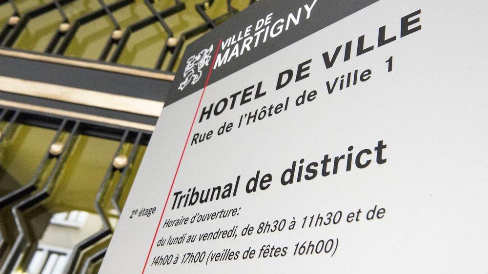 Un notaire indélicat devant les juges à Martigny