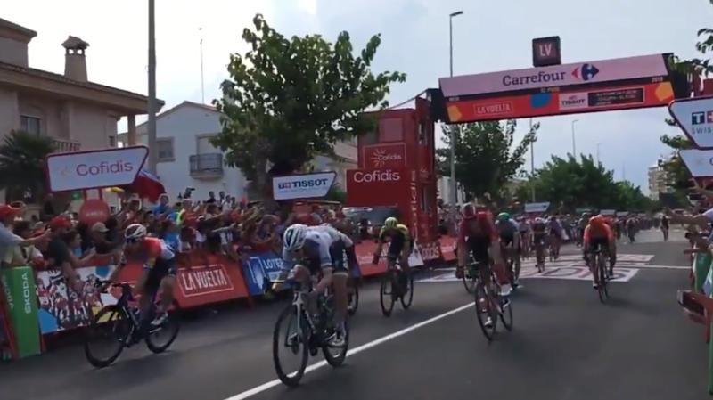 Cyclisme – Tour d'Espagne: Fabio Jakobsen remporte la 4e étape au sprint