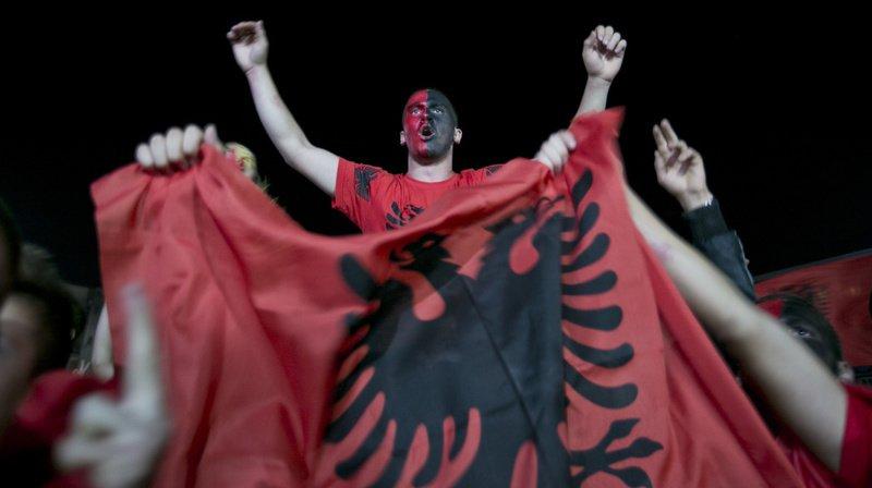 Le bon hymne a finalement pu être diffusé, sous les applaudissements des supporters français et albanais.