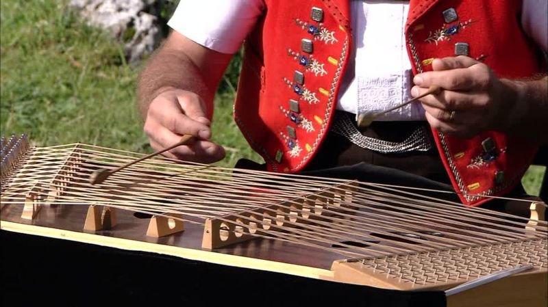 Le hackbrett appenzellois, un instrument phare de la musique folklorique suisse.