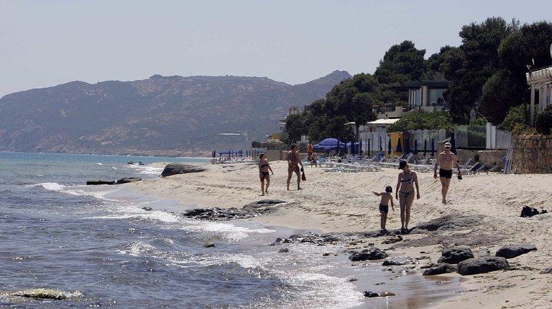 Les touristes emportent souvent du sable ou des galets de l'île dans leurs bagages.