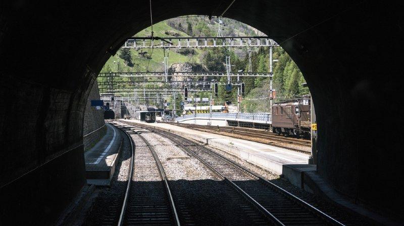 Trafic ferroviaire: le tunnel de faîte du Lötschberg fermé durant plusieurs heures