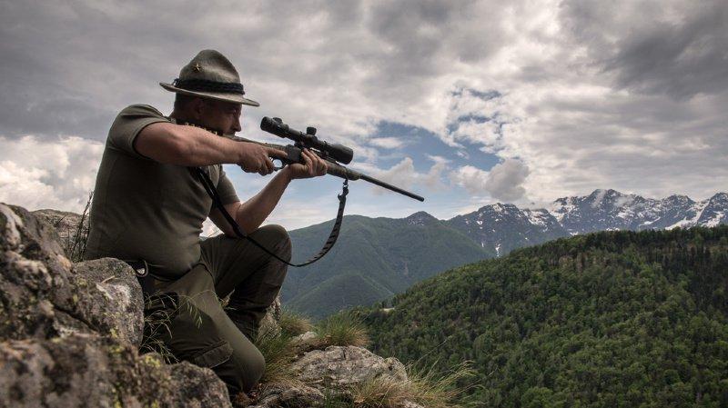 La réussite de l'examen de chasse devrait toujours constituer une condition essentielle pour obtenir l'autorisation de chasser.