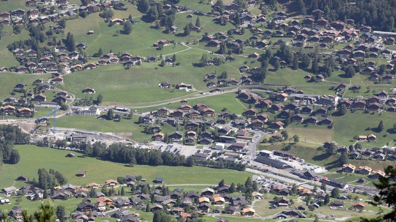 """La construction de résidences secondaires s'est """"en partie déplacée vers les communes qui n'ont pas encore une part de 20%"""" dans ce type de résidence."""