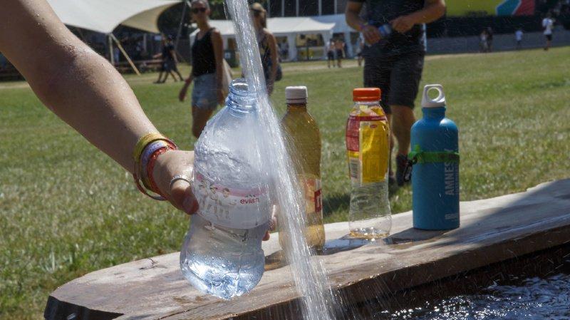 Les microplastiques présents dans l'eau de boisson ne semblent pour l'instant pas présenter de risques pour la santé. (illustration)