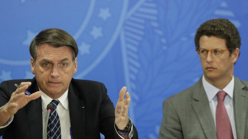 Amazonie: fâché avec Emmanuel Macron, Jair Bolsonaro n'utilisera plus les stylos français Bic