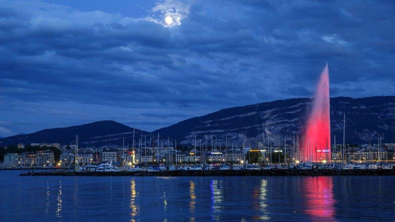 Le 12 août dernier, le jet d'eau avait déjà rougi pour marquer le 70e anniversaires des Conventions de Genève.