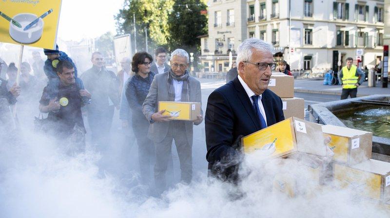 Initiative contre la publicité pour le tabac déposée à Berne