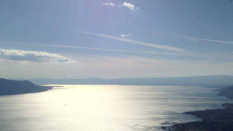 Le lac Léman entre Glion et Caux.